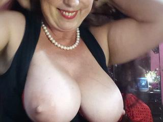 small gift - big boobs