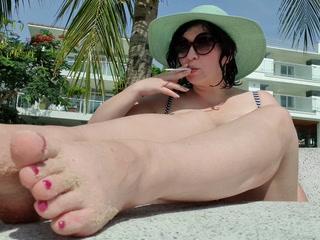 beach smoking (1)