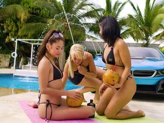 Lesbians Go Wild at the GG MANSION XXX