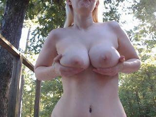 Bouncing tits outside10min