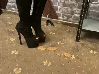 Crushing food with my heels