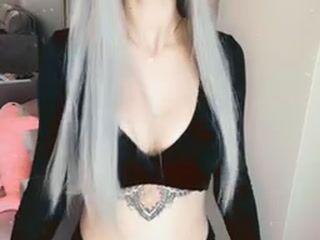 I will tease u with my cute tits