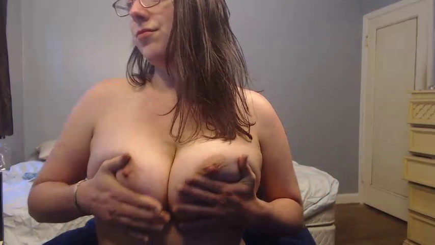 Topless and Nude rubbing hairy pussy [19 Jan 09:10] Private Show