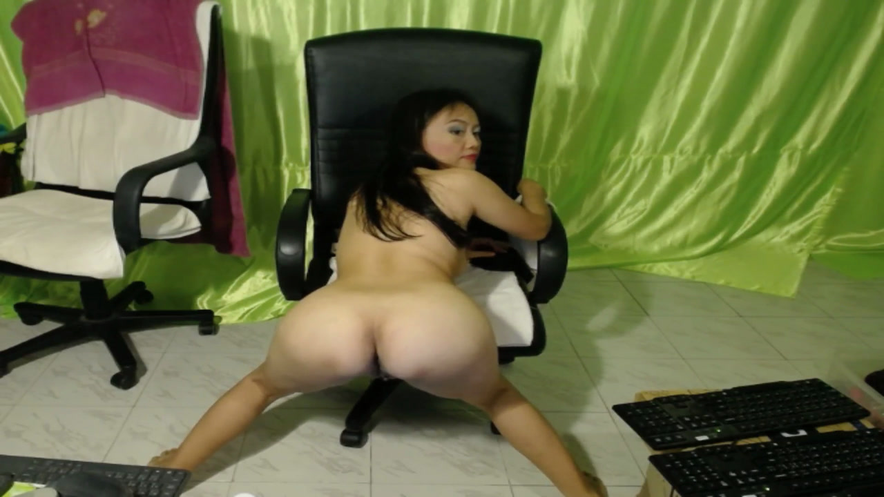 Na Alone all Naked Ass to Cam Spreading Ass to Cam Squeezing Tits !!!!  [20 Feb 10:34] Private Show