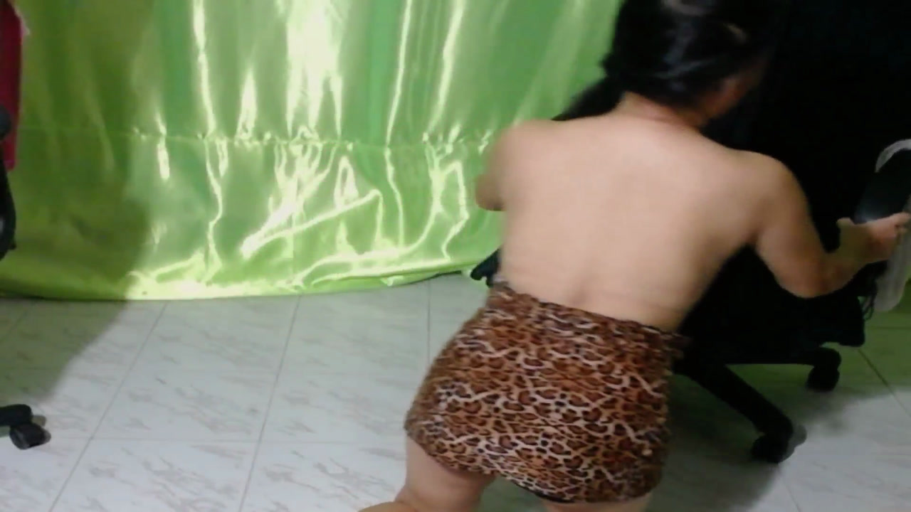 Na Alone Naked Ass to Cam Legs Spreading Fingering and Showing Pussy !!! [9 Apr 22:47] Private Show