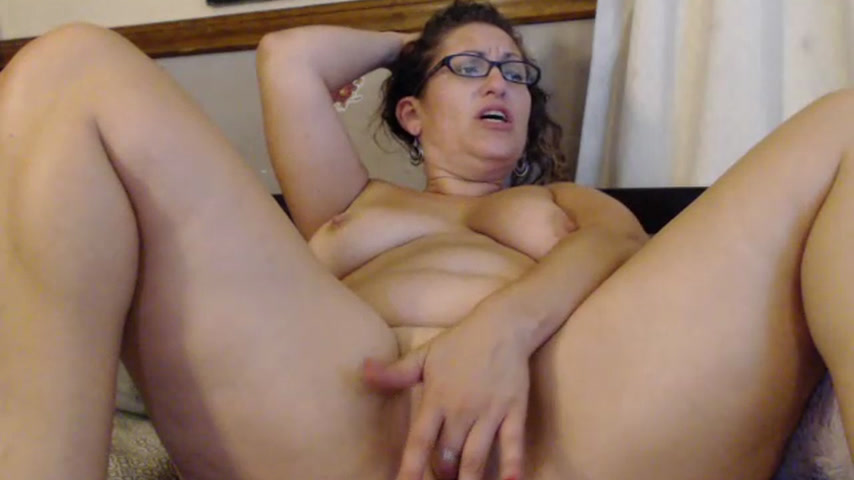 3 orgasms! fingering & fuking pussy real good!