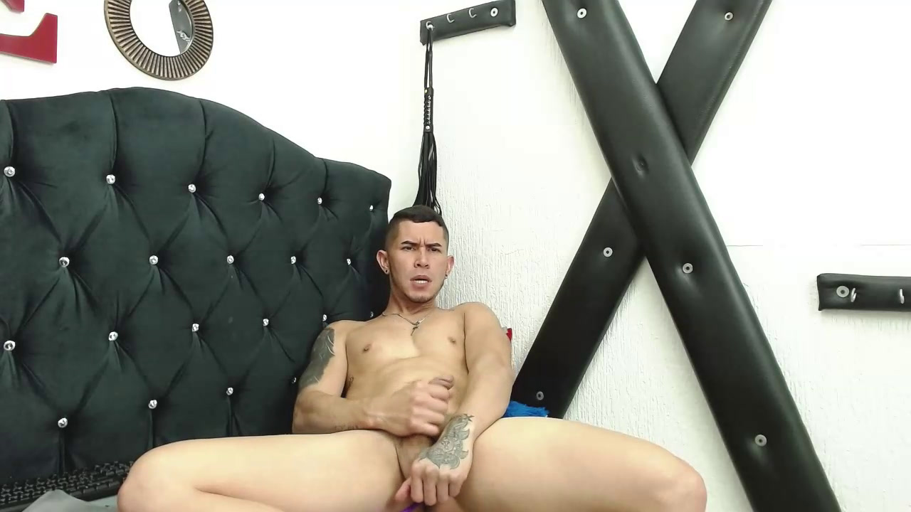 Play with my toy and my cock