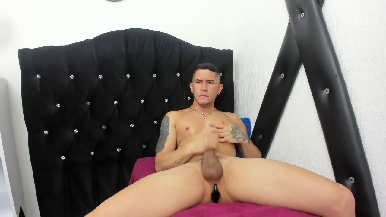 Private Show masturbation and play with my cock