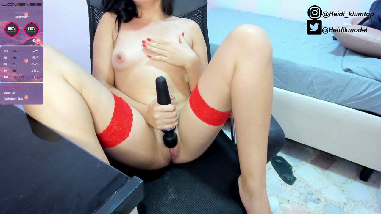 Domi in pussy