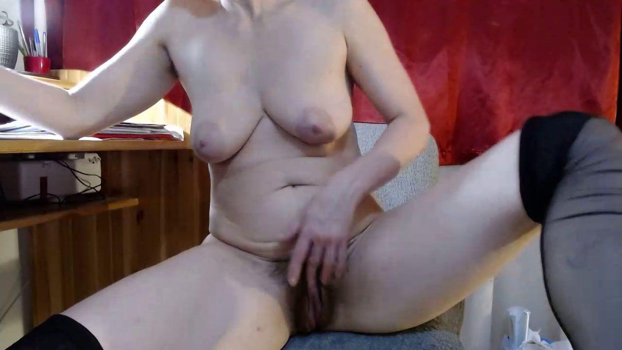 hairy pussy masturbation and squirt [27 Nov