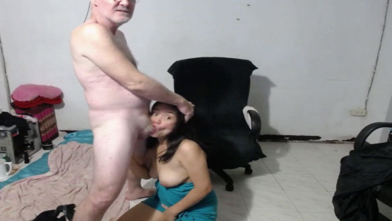 Na Showing Tits,Rubbing Pussy, Sucking Cock, Face Fuck, Doggie, on top [2 Jan 00:39] Private Show